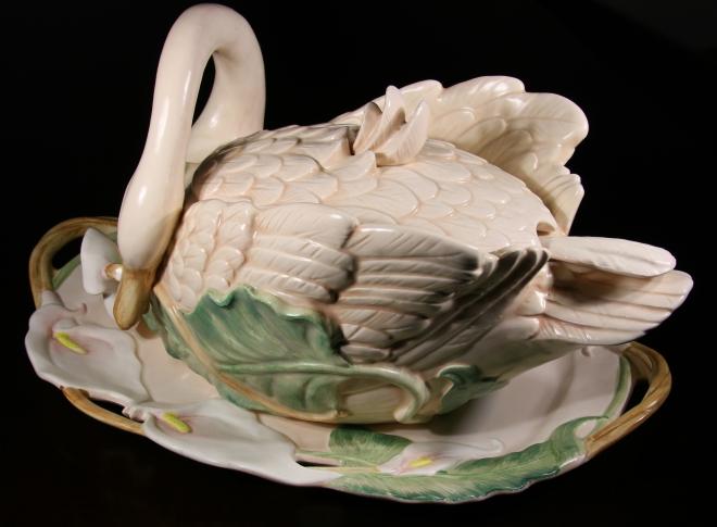 F&F Swan Tureen with platter, Swan Tureen, Fitz and Floyd Swan Tureen, Fitz and Floyd Swan Tureen, Faulkner's Artiques, Frisco antiques, Allen Antiques
